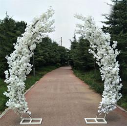 2019 rosas plásticas de plástico 2.5 M artificiais flor de cerejeira arco estrada da porta chumbo lua arco flor cereja arcos prateleira praça decoração para o partido de casamento pano de fundo