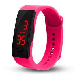2019 резиновые цифровые спортивные мужские часы 12 цветов новая мода светодиодные спортивные часы дата резиновый браслет цифровые наручные часы спортивные женские мужские фитнес W скидка резиновые цифровые спортивные мужские часы