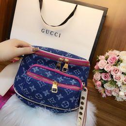 Diseños de productos únicos online-Diseñador de moda de la marca 2019 bolsos totes Messenger Bag Crossbody Bags 2019 nuevos productos 24.18cm diseño único