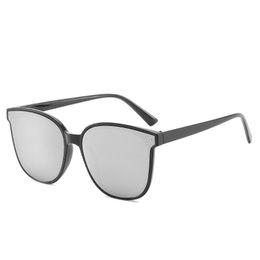 Fabbrica netta online-Nuovi occhiali da sole Net Red Fashion Occhiali da donna Fashion Same Mens Occhiali da sole 5203 Vendite di fabbrica