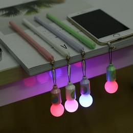LED Mignon Kawaii En Plastique Gel Stylo Créatif Coloré Ampoule Stylo Pour Enfants Nouveauté Article Fournitures Scolaires Étudiant ? partir de fabricateur