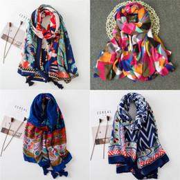 nuevos estilos de envoltura de bufanda Rebajas 2018 Primavera Otoño Nuevo diseño Estilo étnico Voile Algodón Mujeres Fino Larga bufanda con bufanda Mujer Pashminas Wrap Hijab 36 diseñadores