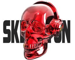 altoparlanti unici del bluetooth Sconti Skull Head LED Lighting Altoparlante senza fili Bluetooth 4.2 Bass Stereo Music Player 1000mAh Batteria per Halloween Unico regalo di Natale Design