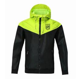 2020 vestito FC Nantes Windbreaker incappucciato cappotto di modo Nantes camicia di calcio della camicia da uomo FC Nantes Giacca manica lunga antivento da