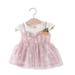 Patrón de mariposa vestidos de verano online-Patrón de mariposa coreano Vestido de niña Bebé Voile Verano de manga corta 1er vestido de cumpleaños Liguero falso 2 unids algodón recién nacido vestidos