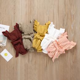 Baby Mädchen Solide Strampler Baumwolle Fliegen Ärmel Einreiher Gurt Rüschen Overall Kinder Designer Onesies Mädchen Outfits 0-3 T 04 von Fabrikanten