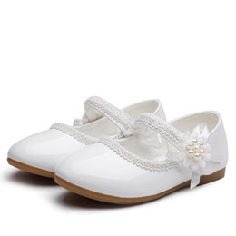 Свадебные туфли детские девочки онлайн-Новые Детские Кожаные Ботинки Цветочные Дети Принцесса Коктейльная Вечеринка Обувь Для Девочек Свадебные Туфли