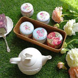 piccoli vasi da giardino Sconti Scatola di latta con teiera rosa Scatola con latta di personalità giardino fresco per la casa Scatola di biscotti caramelle a forma di tamburo Forniture per feste festose