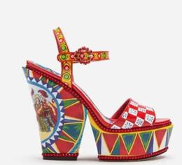 Fleur talons chaussures vintage en Ligne-2019 nouvelle mode femmes fleurs talons hauts plateforme sandales vintage talons aiguilles brogue chaussures de mariage chaussures parti talons dames