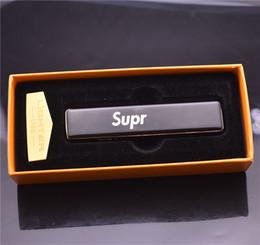 Cool cigarettes électroniques en Ligne-Portable Cool supr eme USB Briquet électronique Batterie Rechargeable Cigarette Briquet Sans Flamme Coupe-Vent En Métal Briquet avec boîte