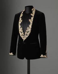 блейзер дизайн шеи для мужчин  Скидка Hot Sale 2018 Autumn Winter Black Velvet Gold Lace Appliques Performance Male Jacket Wedding Prom Party Suits blazer masculino