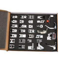 2019 pie máquina de coser doméstica DIYWORK Conjunto de herramientas de costura para el hogar Caja 32pcs Prensatelas Máquinas de coser Pies de pie Snap On Multifunción doméstica pie máquina de coser doméstica baratos