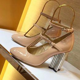 Clásico de las mujeres de la marca zapato rojo zapatos de tacón alto charol zapato de vestir de lujo boca baja suela zapatos de boda desde fabricantes