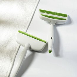Cepillo de limpieza de ventilación de coche online-Hogar creativo Cepillos para el polvo 2 Head Car Air Outlet Vent Removedor de polvo Ropa Herramientas de limpieza del hogar TTA761