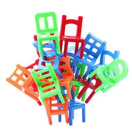 2019 cachorros de brinquedo de plástico para crianças 18 pçs / set Equilíbrio De Plástico Brinquedo Empilhamento Cadeiras para Crianças Jogo de Mesa Jogo Brinquedos Educativos Para Crianças Boneca Acessórios Presente