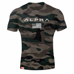 T-Shirt ALPHA Uomo Summer Wear Palestra Fitness Stretto Mens Workout T-shirt Homme Maniche corte Slim Fit Camicie in cotone Muscle Brother da pantaloncini da allenamento maschile fornitori
