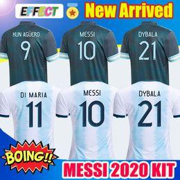 Squadra di calcio jersey argentina online-Nuovo 2020 Argentina Soccer Jersey Copa America 2019 della squadra nazionale di MESSI Dybala Icardi blu assenti Camisetas de futbol Mens T-shirt bambini di calcio
