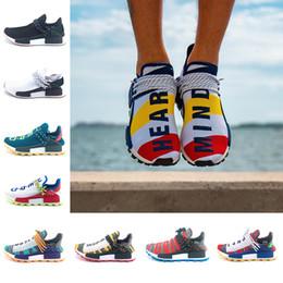 san francisco f980f 18ecf Adidas NMD Human Race Boost Date de course humaine Hommes Femmes Chaussures  de course Pharrell Williams HU Runner Blanc Noir Jaune Rouge Vert Gris Bleu  ...