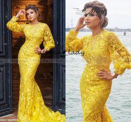 Robes de soirée en or jaune en Ligne-2019 Or Jaune Dentelle À Manches Longues Dubaï Robe De Soirée Sirène 3D Flora Arabe Robes De Bal De Célébrité Plus La Taille Long Robes Formelles