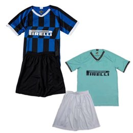 Pantalones de jersey para niños online-2020 Inter Kids Kit 2019/20 # 6 DE VRIJ # 9 ICARDI Jersey Short Boys # 10 LAUTARO POLITANO PERISIC BROZOVIC Camiseta de fútbol infantil Pantalones