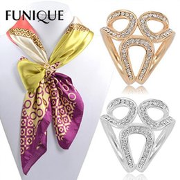 scarf hoops Promo Codes - FUNIQUE 2019 Scarf Clip Rhinestone Garland Hoop Silk Scarf Clip Holder Twine Brooch Buckle Crystal Jewelry Gift Accessories