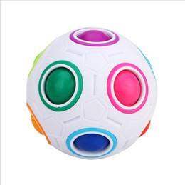 2019 mini-labyrinth ball 2019 neue kinder regenbogen ball fußball labyrinth ball puzzle spielzeug kreativ geformten platz günstig mini-labyrinth ball