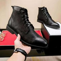 e419296a Botas de cuero de los hombres de marca italiana de lujo de vestir de  negocios transpirable con cordones zapatos de borla caballero casual  zapatos de hombre ...