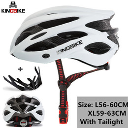 Uomo verde casco online-KINGBIKE MTB biciclette caschi verde Ultralight EPS + PC Casco da bicicletta strada di montagna con parasole fanale posteriore Uomini Donne Bike Helmet
