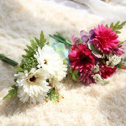 Buquês de flores de seda em massa on-line-7 Cabeças de Flores De Seda A Granel Por Atacado Flores Artificiais Decorações De Casamento Flores De Noiva Artificial Buquê De Noiva Casamento GF15472A