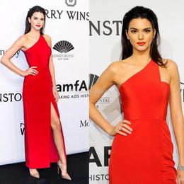 Vestidos de baile lado corte azul on-line-Kendall Jenner Celebridade Vestidos de Noite 2019 Bainha Um Ombro Tornozelo Comprimento Formal Vestidos de Noite Vestidos Side Cut Out Custom Prom Dress