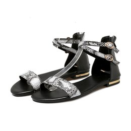 zip dimensioni Sconti MORAZORA Plus Size 34-43 New Women Sandali in vera pelle + Pu scarpe estive piatte Colore nero bianco Zip con zip incrociate