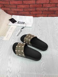 latest prints Promo Codes - 2019 latest ladies men's fashion printed slippers, designer design luxury rubber outsole, on the feet