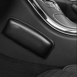 cojines de almohada de cuero Rebajas Los asientos del coche Rodilleras rodillas Protección suave cojín de cuero interior lecho ayuda de muslo Negro universal almohadas HHA101