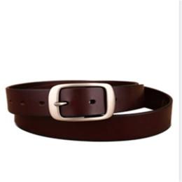 Nouveau vente chaude hommes de mode ceintures noir blanc et couleur beau style de la Chine ceintures or boucles porte expédition avec boîte 8852202 ? partir de fabricateur