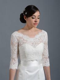 2019 rote fauxpelz-achselzuckenjacke Heiße Verkaufs-würdevolle weiße Spitze-Brauthochzeits-Jacke tauchen V-Ausschnitt 3/4 langen Hülsen-Brautbolero-Hochzeits-Verpackungs-Schal ein