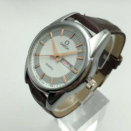 Marche di orologi svizzeri di lusso online-2020 moda sportiva degli uomini di marca popolare superiore 3A guardano Mens qualità orologi di lusso data la cinghia del calendario svizzero al quarzo Montre homme