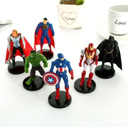 Figura para bolos on-line-Os Vingadores Bonecas de Presente Do Carro Criativo Avenger Action Figure Dolls Brinquedos Dos Desenhos Animados Decoração Do Bolo com Base