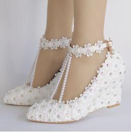 Argentina Nuevos Zapatos de Boda Dulces 8cm Mujeres Tacones Elegantes Cuñas Zapatos Bombas Zapatos de Cuña de Perla Blanca y Cristal supplier sweet wedding shoes Suministro