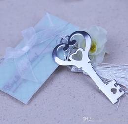 2019 designs de marcadores Chuveiro do partido do bebê chave Shaped Bookmark Coração oco Com Branco Tassel Design Marcador Exquisite Wedding Favors presentes designs de marcadores barato