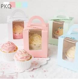 cardboard display cases Promo Codes - 50pcs Cardboard Paper Cupcake Box Cake Box Packaging With Handle Single Wedding Party Favor Pudding Case Display Window