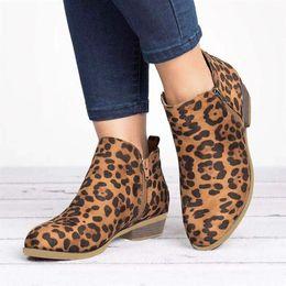 Leopard wildleder stiefel online-Leopard-Knöchel-Aufladungen für Frauen-Mode Suede Breathable Schnee-Aufladungen Frauenschuh Spitzschuh Großer Winter-Frauen Schuhe