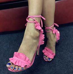Argentina Envío gratis 2019 silla reglas para mujer de cuero de gamuza 10 CM zapatos de tacón alto punta abierta una línea de sandalias con cordones banquete de boda falbala Fucsia 02 Suministro