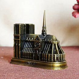 kit di ingranaggi in plastica Sconti Regalo di artigianato in metallo modello Notre Dame. Un modello completo di un edificio classico. Preziosi souvenir di Notre Dame de Paris!