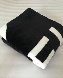 traje de baño hippie Rebajas Patrón de lujo, manta negra, material de paño de franela de 150x200 CM con bolsa de polvo, logotipo de estilo C para viajes, hogar, oficina, manta de la siesta, regalo VIP
