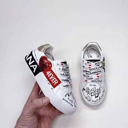 Zapatos de rodillo niños online-zapatos niño zapatos tenis blanco carrera de moda muchacha niño niños zapatilla de deporte negras de marca baratas Heelys Heelys zapato de bebé zapatos de niño de rodillos chica chico