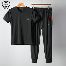 2019 Estate Tuta Moda per uomo Casual Outfit maniche corte T Shirt e pantaloni Knight Pattern e alta qualità a due pezzi di One Set