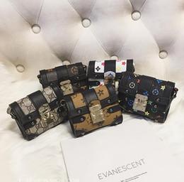 Nouveaux sacs à main design fille en Ligne-filles messager sacs rivet modèle mode princesse sac mini sacs fille parti accessoires sacs à main 5 conceptions nouveau designer fleur sacs X164