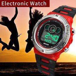 Relojes deportivos de gama alta digital online-Fashion High-End Multi-Function 30M Sports Reloj electrónico impermeable para hombres Relojes LED únicos LED