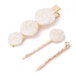 Un conjunto de tres pares de corales de metal simples pinzas para el cabello para las mujeres geométricas rombo horquillas accesorios para el cabello desde fabricantes