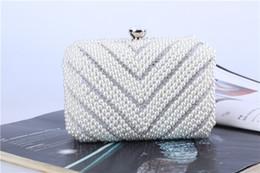 Puro set perla online-Set da pranzo a forma di diamante con borsa da sera in pura perla lavorata a mano da donna